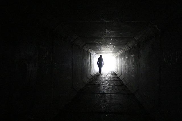 Trauerbild - Tunnel